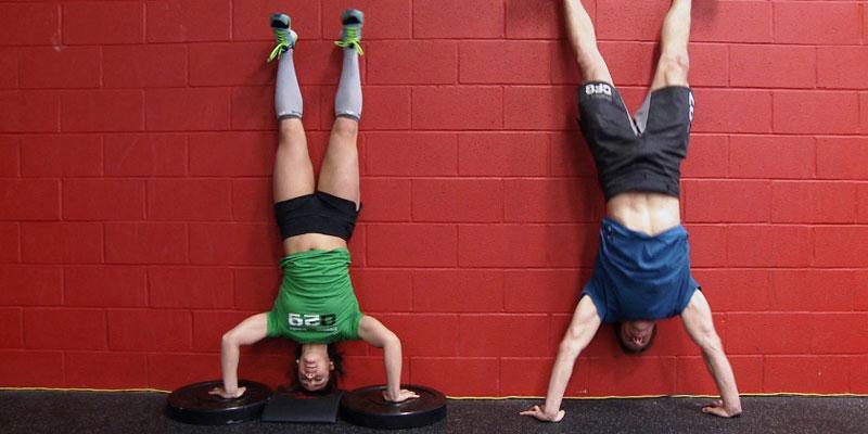 Flexiones invertidas o Handstand push up